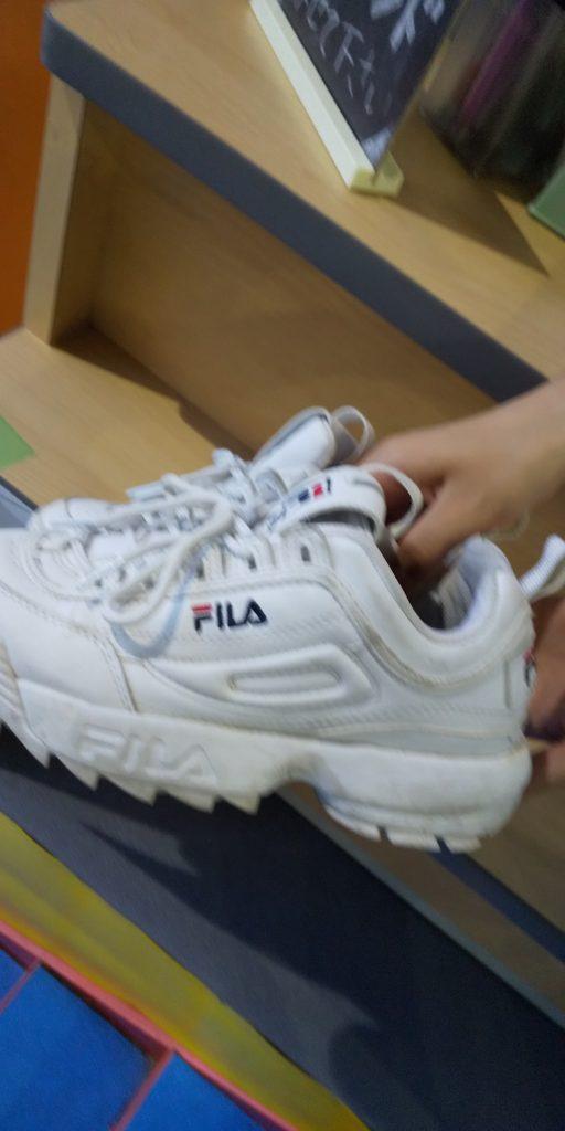 靴の間違えた方